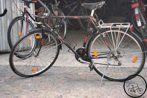 Неизвестный шоссейный велосипед