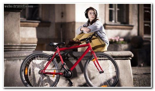 езда в наушниках на велосипеде