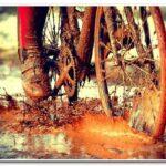 Как правильно ехать на велосипеде по грязи?
