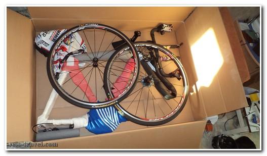 упакованный велосипед в коробке